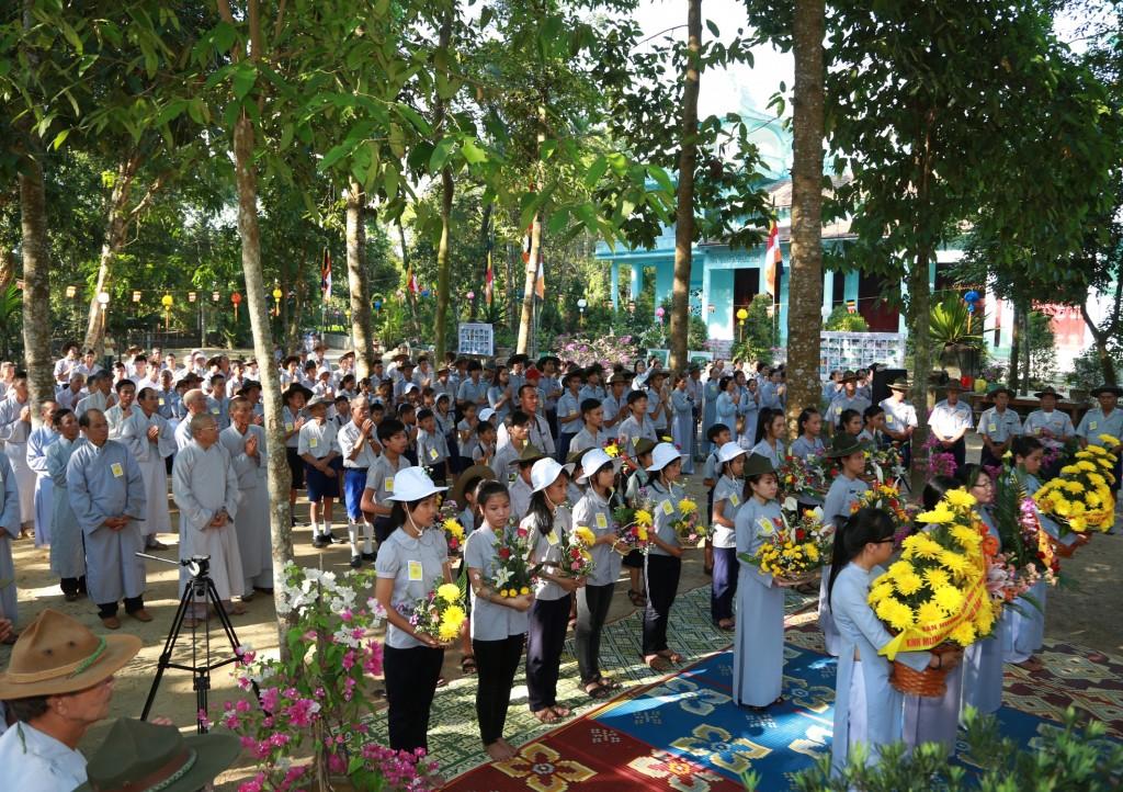 2014.05.16 - Photo 13 Phat Dan LQ GDPT va Cu si truoc le dai 1R8A9930