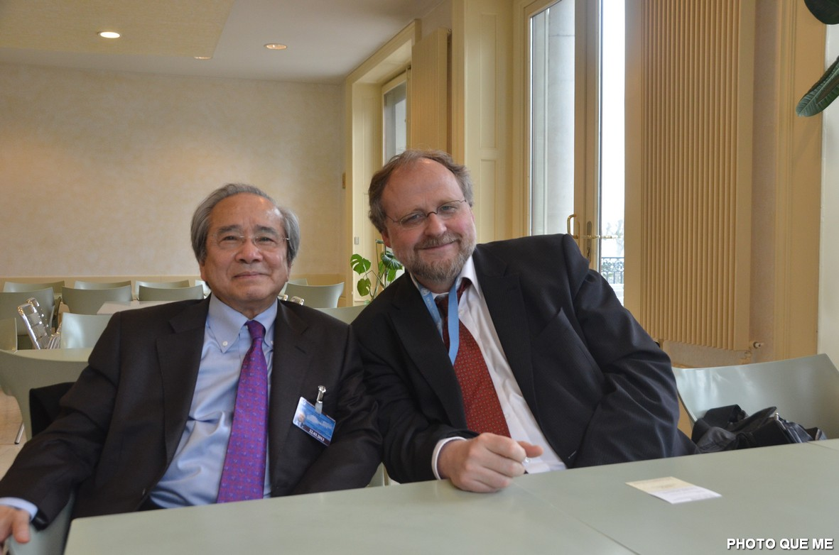 Ông Võ Văn Ái và Tiến sĩ Heiner Bielefeldt, Báo cáo viên LHQ Đặc nhiệm Tự do tôn giáo tại Hội đồng Nhân quyền LHQ ở Genève - Hình Quê Mẹ