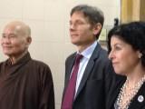 Ông Tom Malinowski, Thứ trưởng Ngoại giao Hoa Kỳ Đặc trách Dân chủ, Nhân quyền, và Lao động đến Thanh Minh Thiền Viện vấn an Đức Tăng Thống Thích Quảng Độ