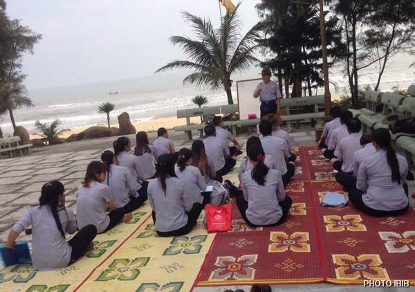 Liên Trại Lộc Uyển và A Dục, Huyện Phú Vang, Lớp học bên bờ biển