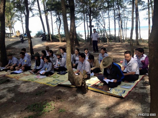 Liên Trại Lộc Uyển và A Dục, Huyện Phú Vang, trong gió, biển, cây rì rào