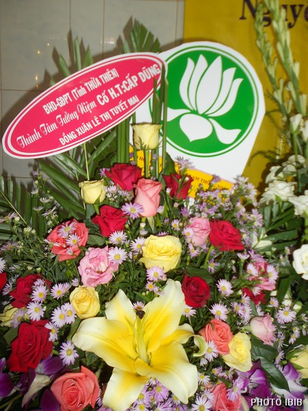 Vòng hoa của Ban Hướng dẫn GĐPT THừa Thiên