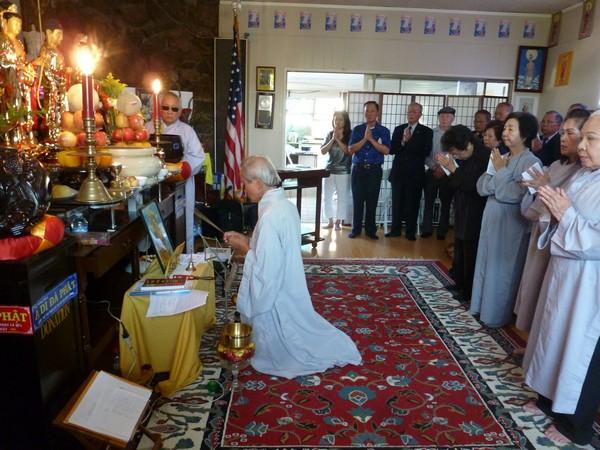 Đại lễ Vu Lan tại Niệm Phật đường Phật Quang ở Nam California, và Niệm Phật Đường Huyền Quang ở Bắc California