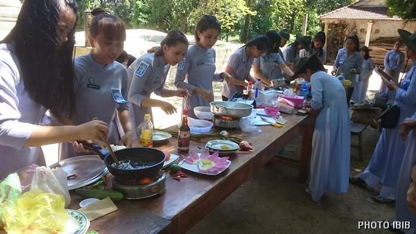 Cuộc thi Nấu ăn, thực tập Công Dung Ngôn Hạnh cho các nữ Trại sinh