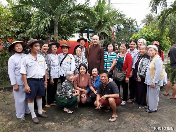 Đoàn cứu trợ tại Khánh Hòa