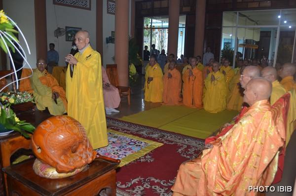 Hoà thượng Thích Thanh Quang, Viện trưởng VHĐ dâng lời Cảm từ và Pháp từ
