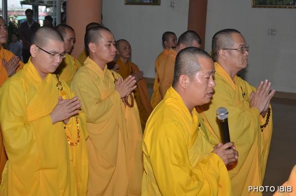 TT Thích Minh Phương cùng môn đồ pháp quyến dâng lời Cảm tạ