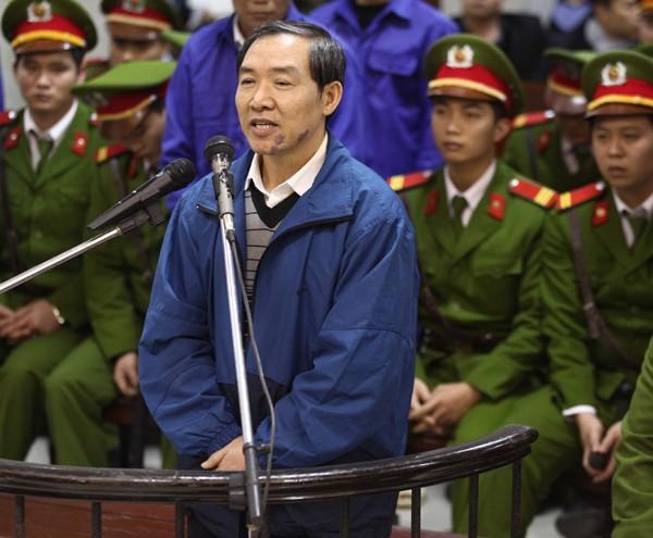 Ông Dương Chí Dũng, nguyên Chủ tịch Vinalines, bị kết án tử hình tại Tòa án Nhân dân Hà Nội hôm 16/12/2013 (AFP photo)