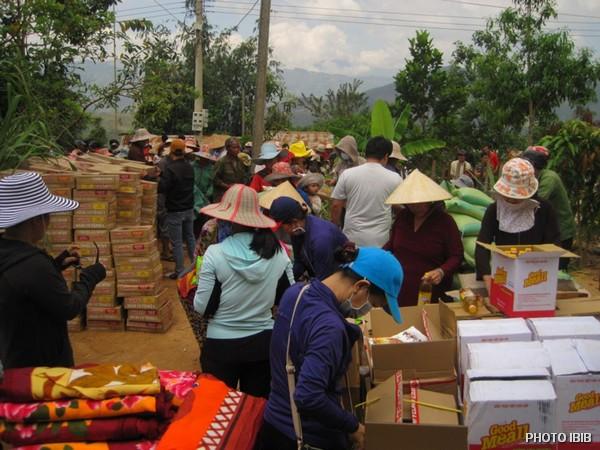 Cứu trợ tại Xã Ngọc Yêu, Huyện Ngọc Yêu, Tỉnh Kon Tum