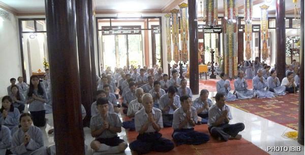 Một góc Chánh điện Tu viện Long Quang