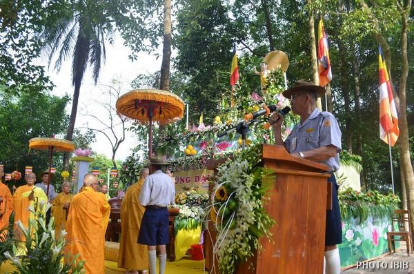 Htr. Hoàng Như Đạo giới thiệu thành phần tham dự và Chương trình Đại lễ