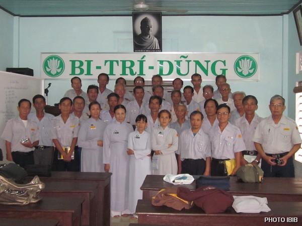 Hình lưu niệm Lễ thọ Cấp Tập Gia Đình Phật tử tại Tu viện Long Quang, Huế