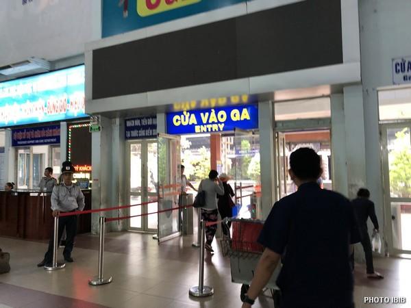 Cửa vào nhà ga Saigon sáng nay 5.10.2018