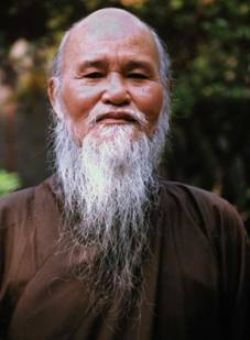 """Thich Quang Do after being released from prison in Ho Chi Minh City in 1998. """"Without democracy and pluralism we cannot combat poverty and injustice nor bring true development to our people,"""" he declared.Credit...Agence France-Presse"""