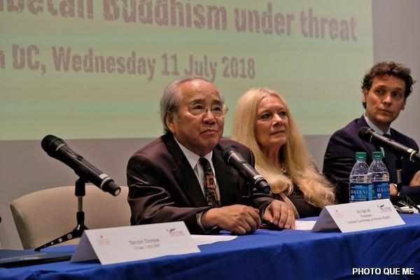 VCHR Pesident Vo Van Ai makes Opening Remarks